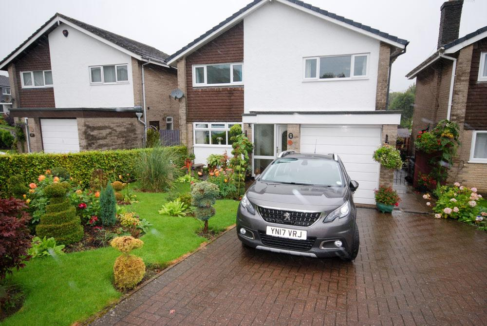 3 Bedrooms Detached House for sale in Ecclesbourne Drive