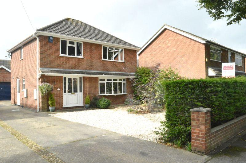 4 Bedrooms Detached House for sale in Carnoustie, Waltham