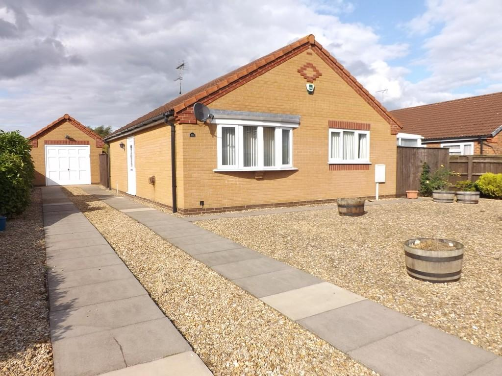 2 Bedrooms Detached Bungalow for sale in Oakwood Glade, Holbeach