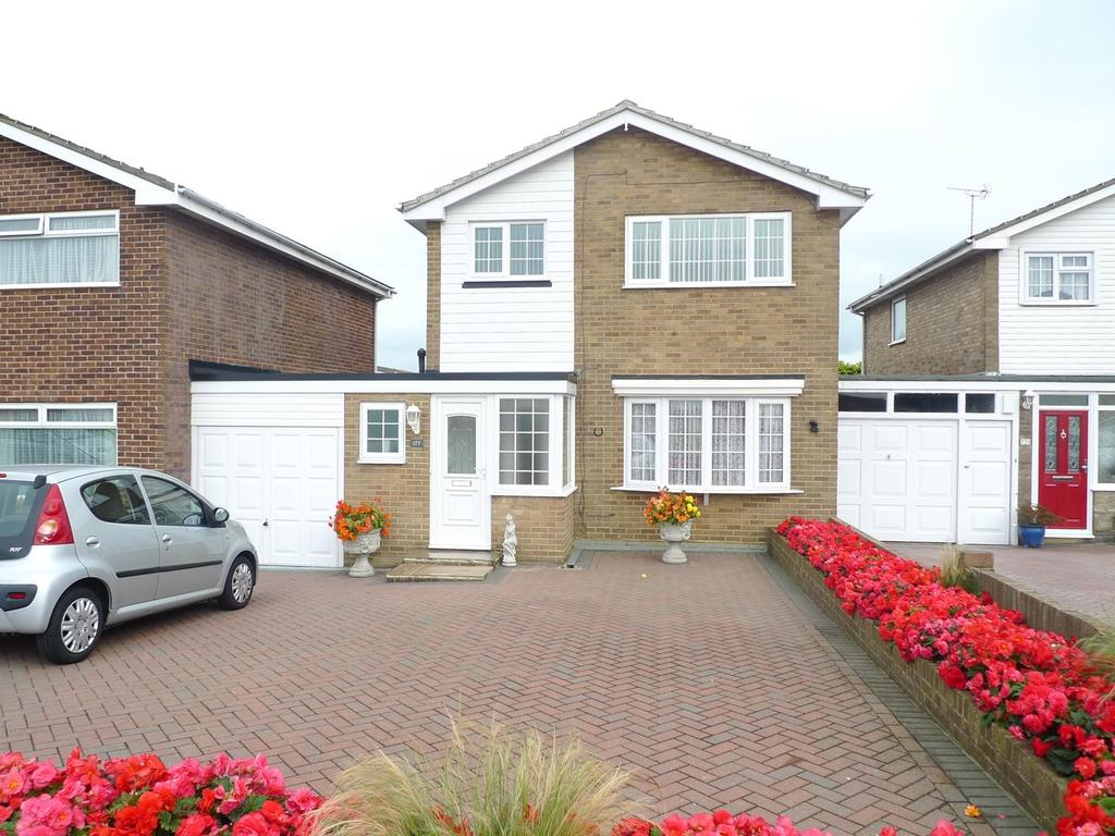 3 Bedrooms Link Detached House for sale in Princes Road, Langney Point, Eastbourne, BN23