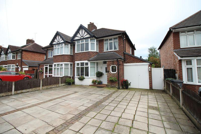 3 Bedrooms Semi Detached House for sale in Allport Road, Bromborough