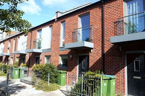 2 bedroom terraced house to rent - Centenary Quay, Southampton