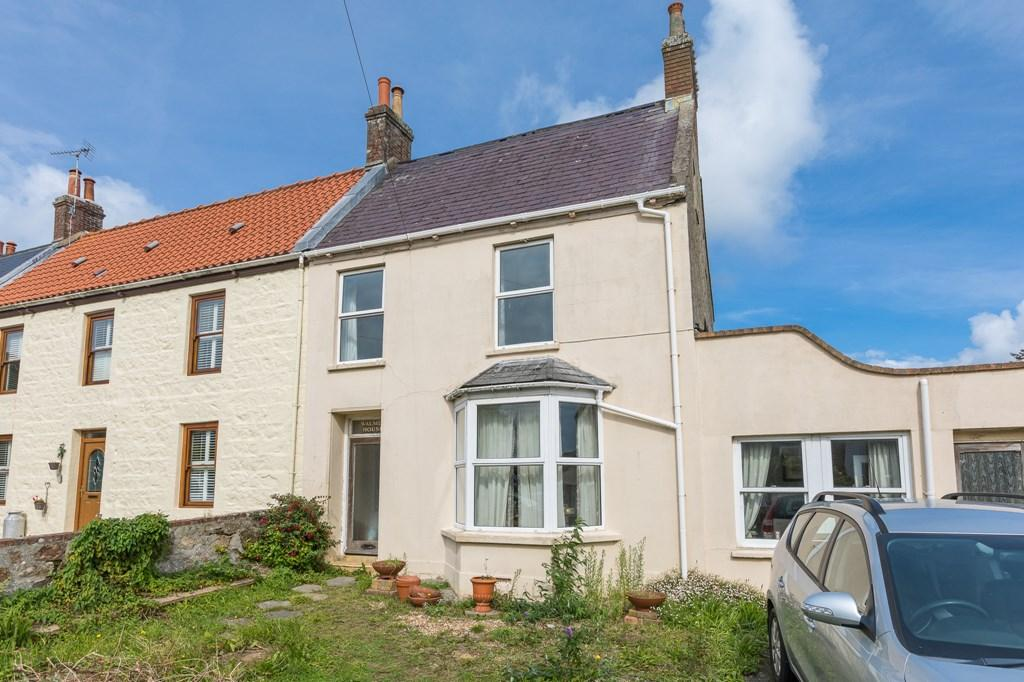 3 Bedrooms Semi Detached House for sale in Hubits de Bas, St. Martin, Guernsey