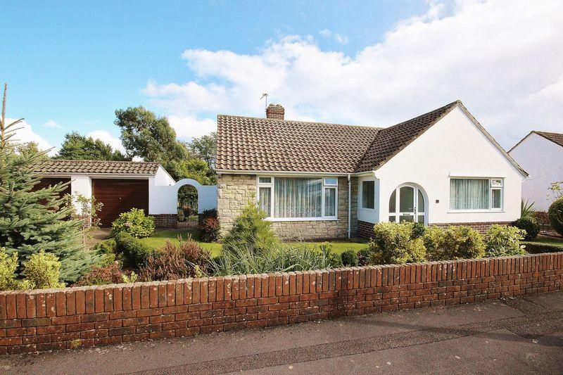 2 Bedrooms Bungalow for sale in Heanor Close, Ensbury Park, Bournemouth
