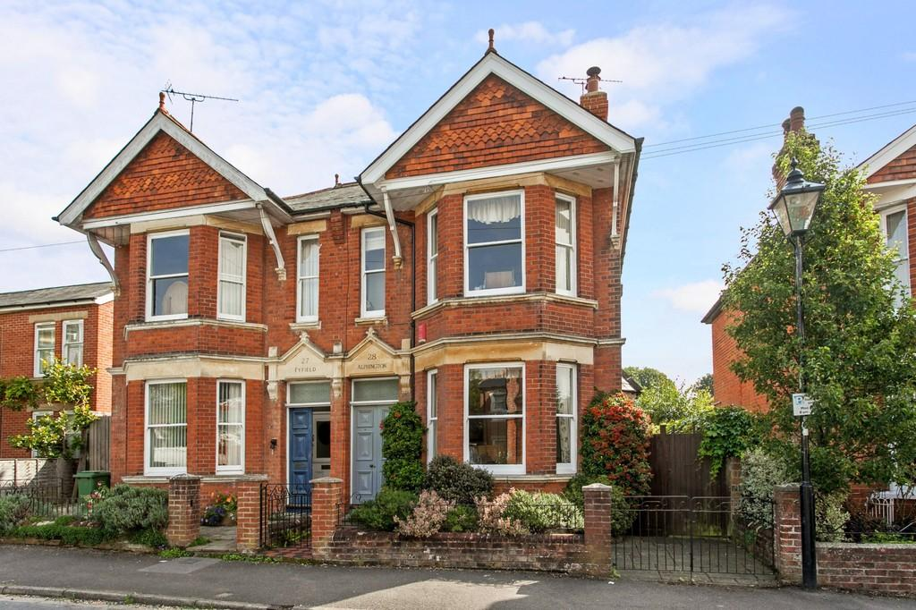 3 Bedrooms Semi Detached House for sale in St. Faiths Road, St. Cross, Winchester, SO23