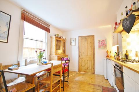 4 bedroom terraced house to rent - Wingford Road, Brixton