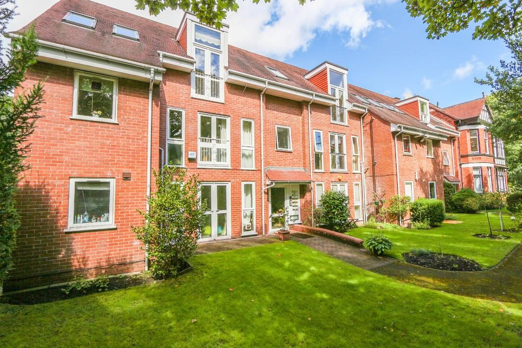 2 Bedrooms Penthouse Flat for sale in Stonecroft Court, Parkfield Road South