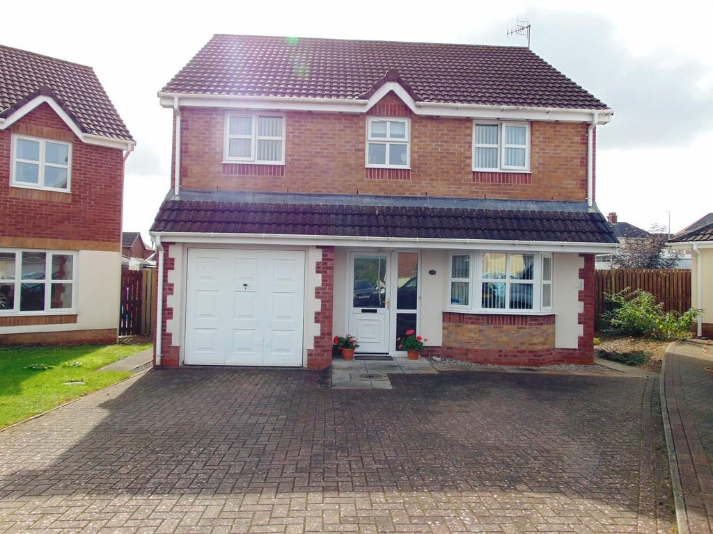 4 Bedrooms Detached House for sale in 22 Maes Yr Efail