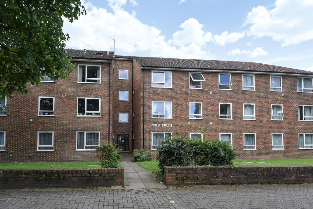1 Bedroom Flat for sale in Victoria Drive, Southfields