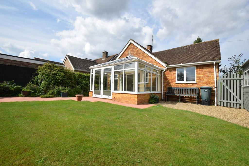 3 Bedrooms Bungalow for sale in Willow Mead, Chalgrove
