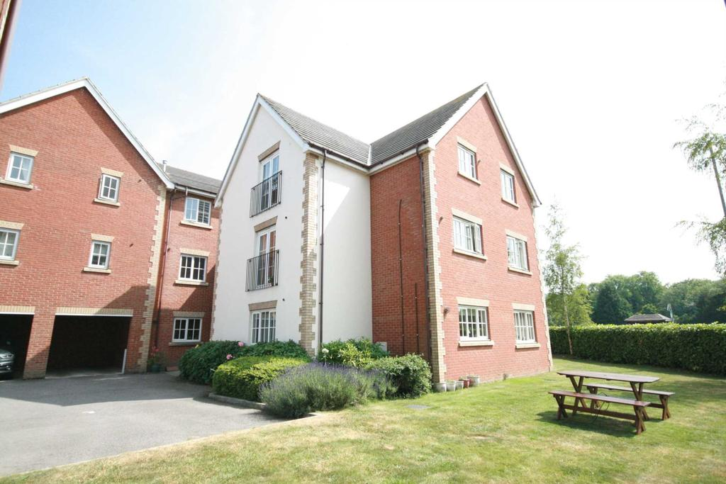 2 Bedrooms Apartment Flat for sale in London Road, Aston Clinton