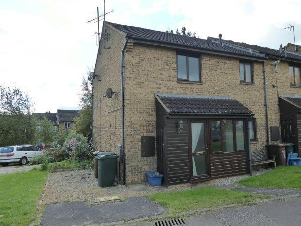 1 Bedroom Terraced House for sale in Bedford Close, Banbury