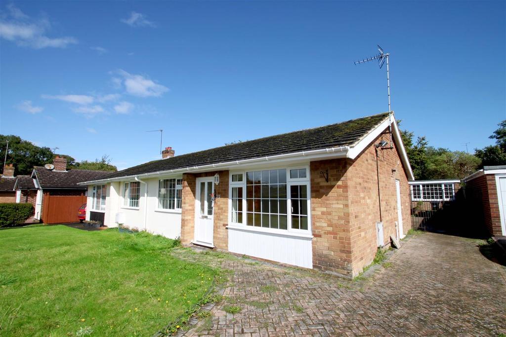 2 Bedrooms Semi Detached Bungalow for sale in Brookside, Watlington