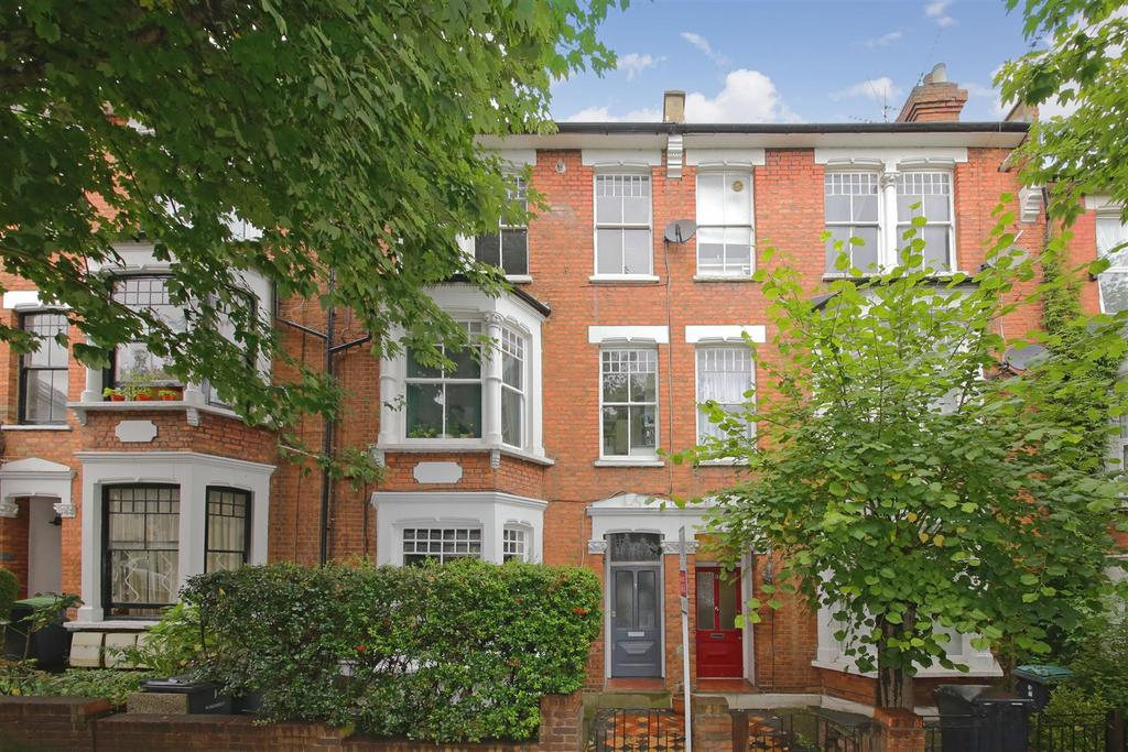 2 Bedrooms Flat for sale in Northwood Road, London