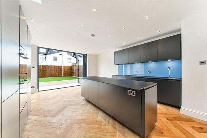 5 Bedrooms Terraced House for sale in Beechcroft Road, Wandsworth, London, SW17