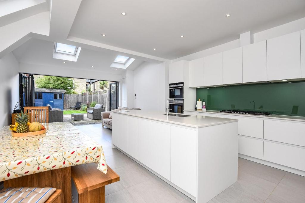 5 Bedrooms Terraced House for sale in Littleton Street, Earlsfield