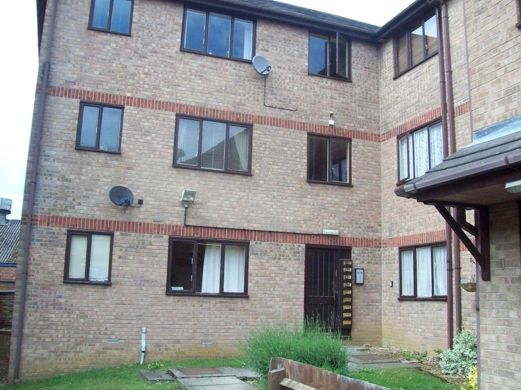 1 Bedroom Flat for sale in Victoria Court, North Street, Rushden NN10