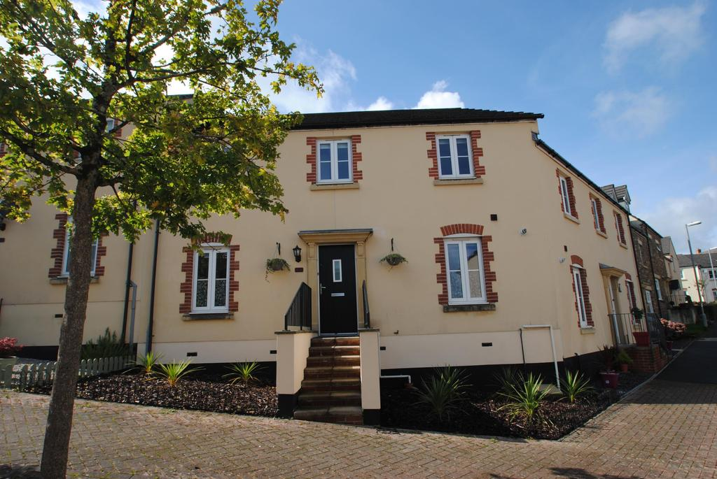 2 Bedrooms Terraced House for sale in Snowdrop Crescent, Launceston