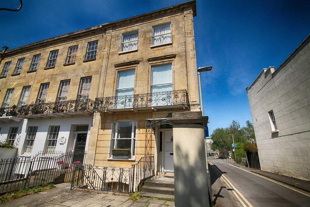 1 Bedroom Flat for sale in Priory Street, Central, Cheltenham, GL52