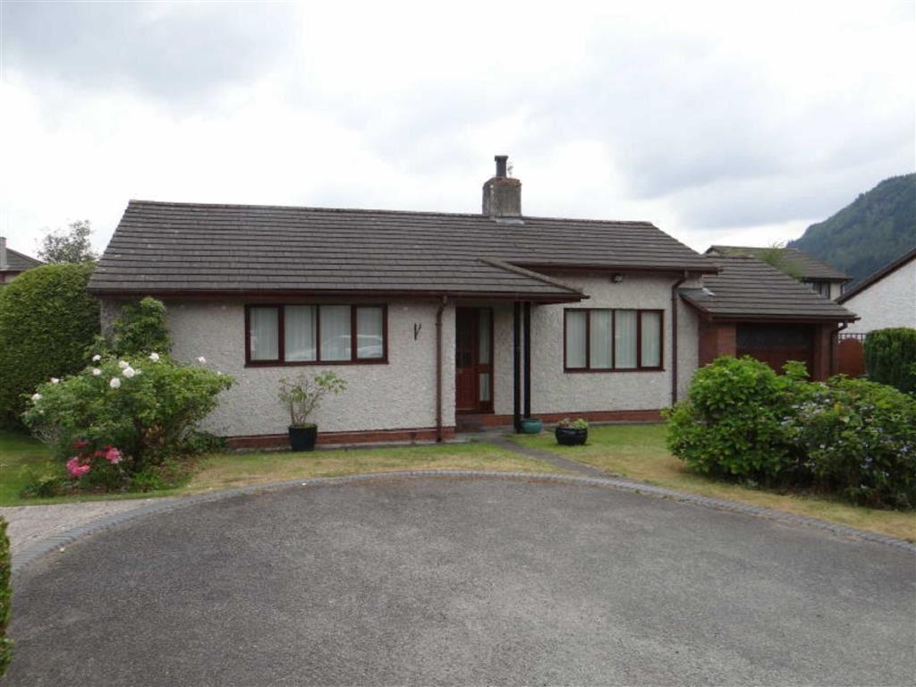 2 Bedrooms Detached Bungalow for sale in Llys Y Bioden, Llanrwst