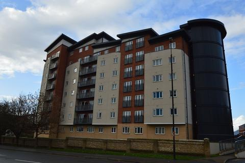 2 bedroom apartment to rent - Aspects Court, Slough, SL1