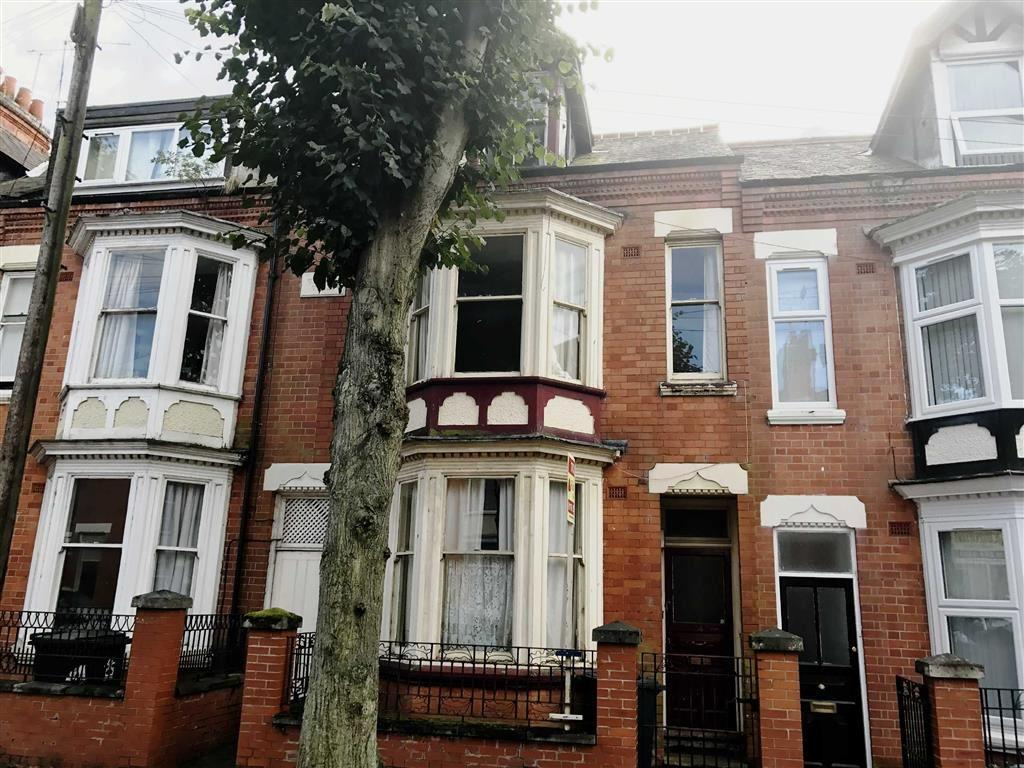 6 Bedrooms Terraced House for sale in Brazil Street, Leicester, LE2