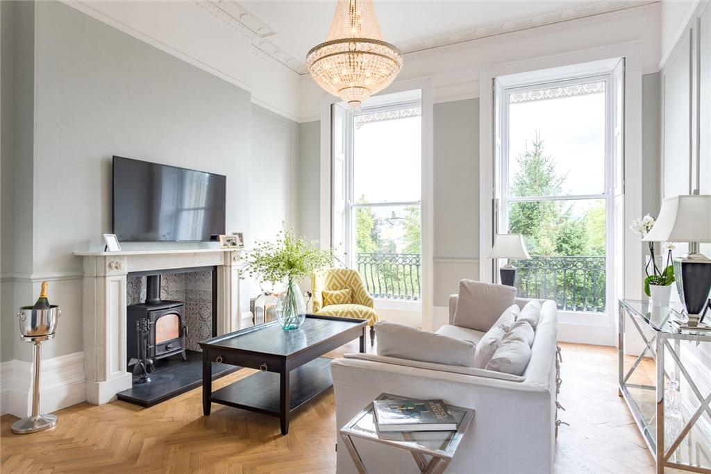 2 Bedrooms Flat for sale in Lansdown Place, Cheltenham, Gloucestershire, GL50