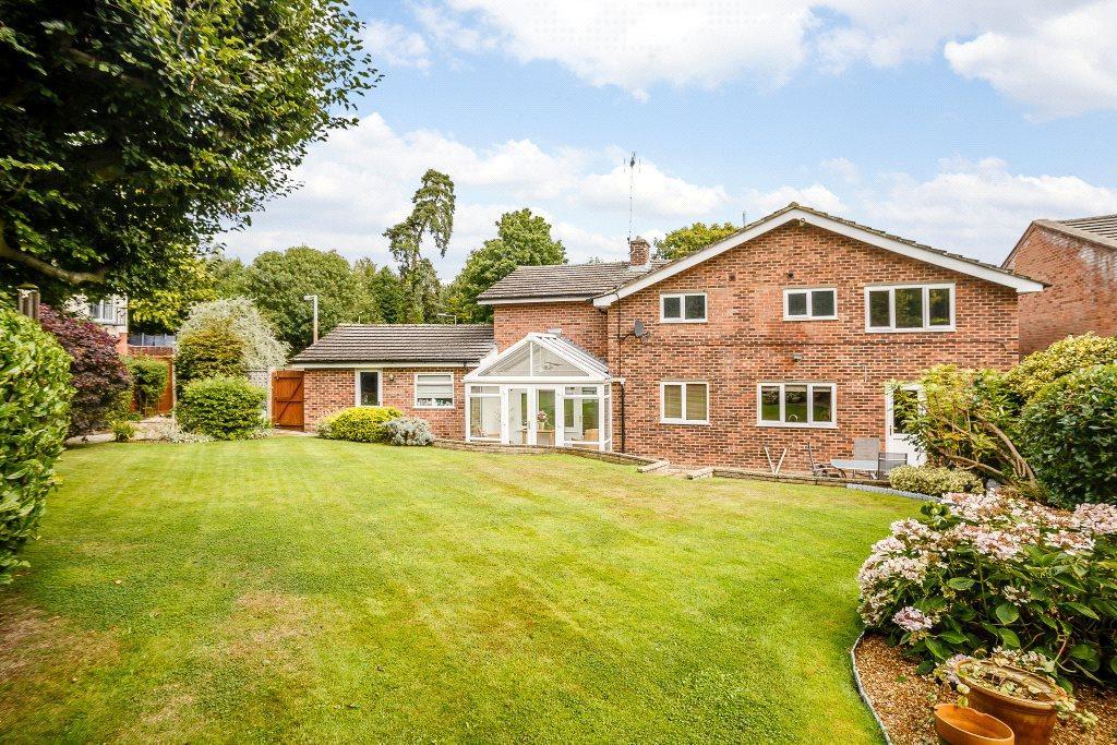 4 Bedrooms Detached House for sale in Grailands, Bishop's Stortford, Hertfordshire, CM23