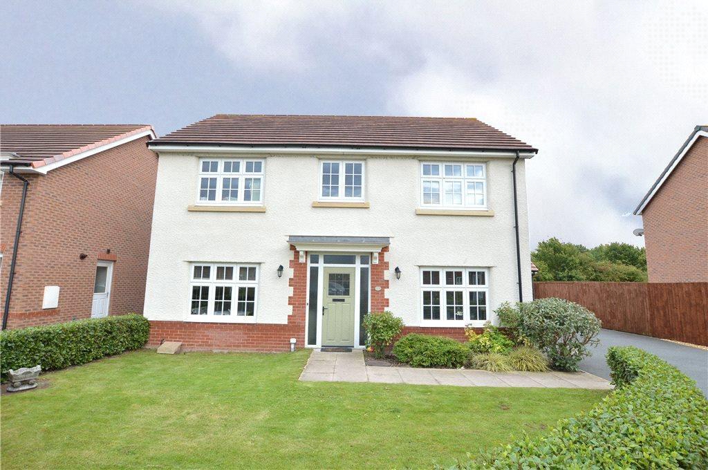 4 Bedrooms Detached House for sale in Saxon Mews, Sherburn in Elmet, Leeds