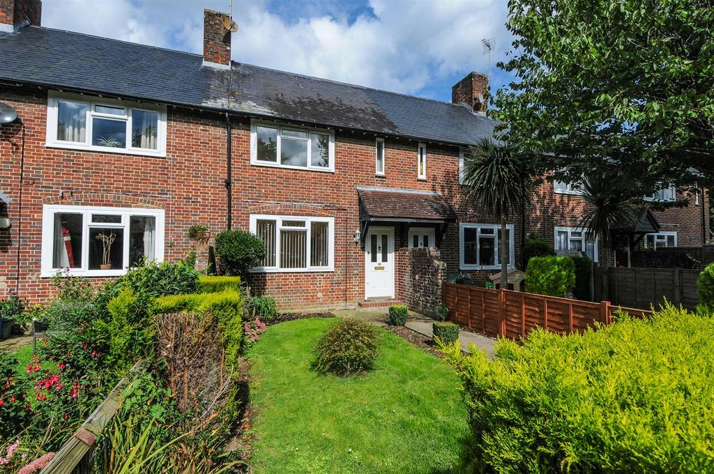 2 Bedrooms Terraced House for sale in Garland Square, Tangmere