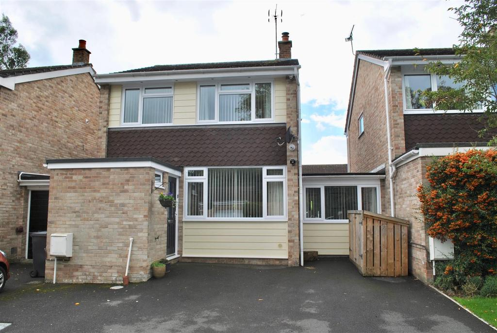 4 Bedrooms Link Detached House for sale in Longacre Close, Taunton