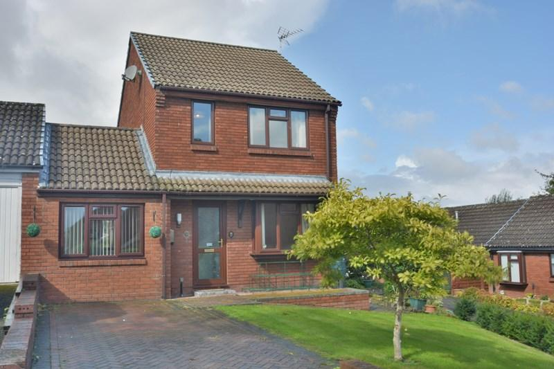 4 Bedrooms Detached House for sale in Rectory Place, Weyhill, Andover