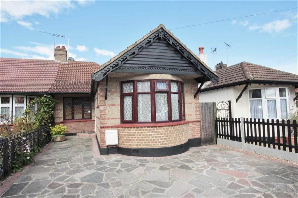 2 Bedrooms Semi Detached Bungalow for sale in Rayleigh Drive, Leigh-On-Sea, Essex