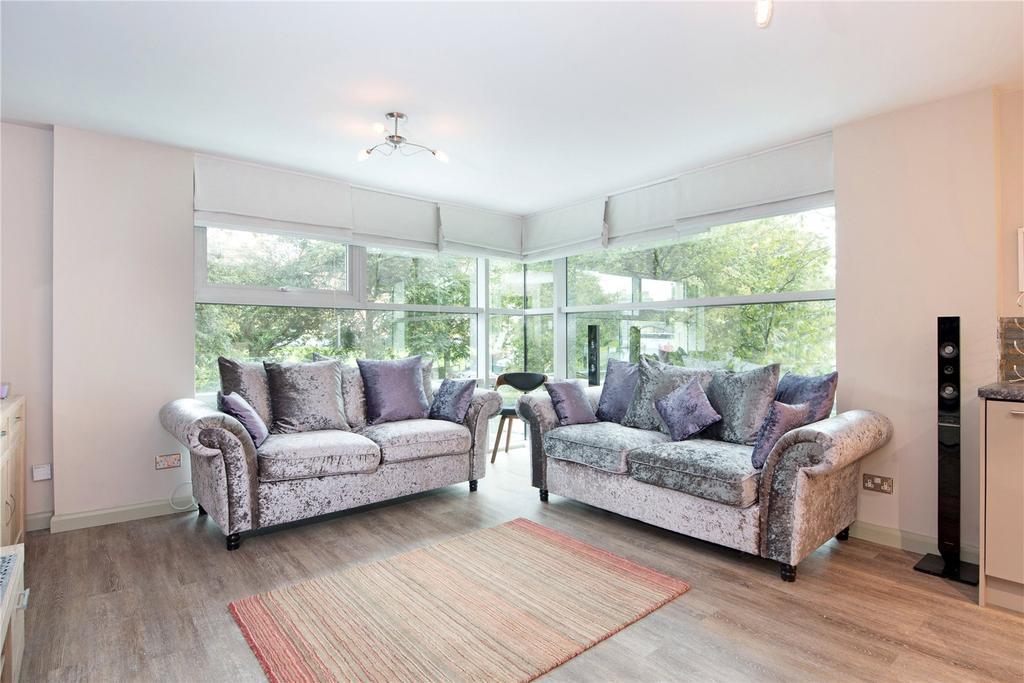 2 Bedrooms Flat for sale in Westgate Apartments, Leeman Road, York, YO26
