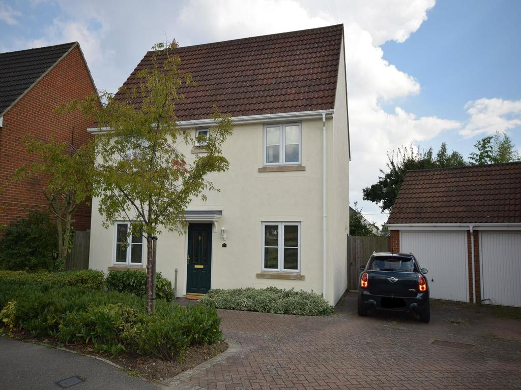 3 Bedrooms Detached House for sale in Woodlands Park Drive, Dunmow, Essex, CM6