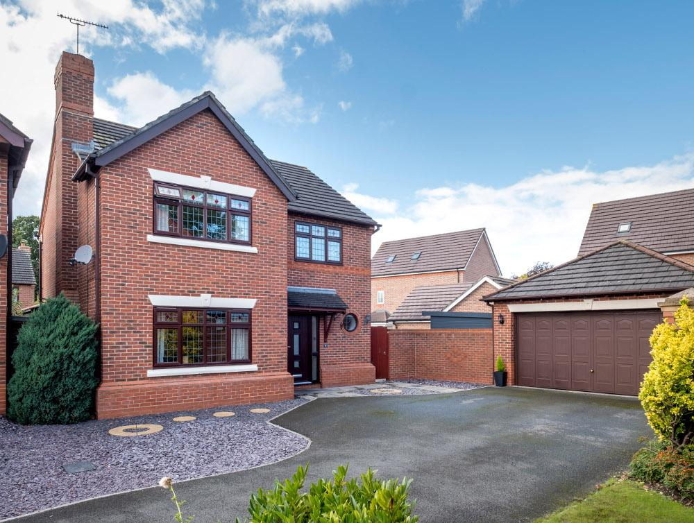 4 Bedrooms Detached House for sale in John Gresty Drive, Willaston