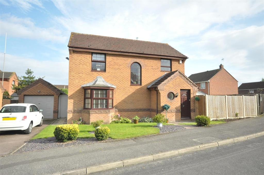 4 Bedrooms Detached House for sale in Rothbury Grove, Bingham, Nottingham