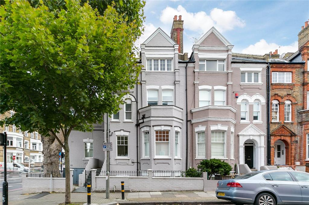 2 Bedrooms Flat for sale in Leathwaite Road, Battersea, London