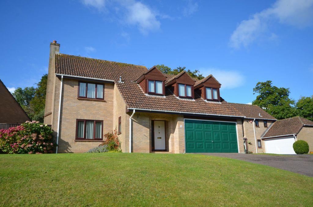 4 Bedrooms House for sale in Shillingate Close, Dawlish, EX7