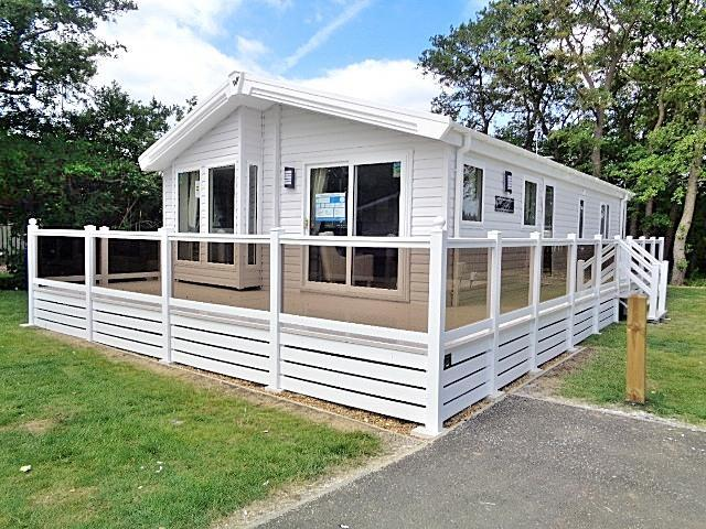 3 Bedrooms Chalet House for sale in Manor Park Holiday Park