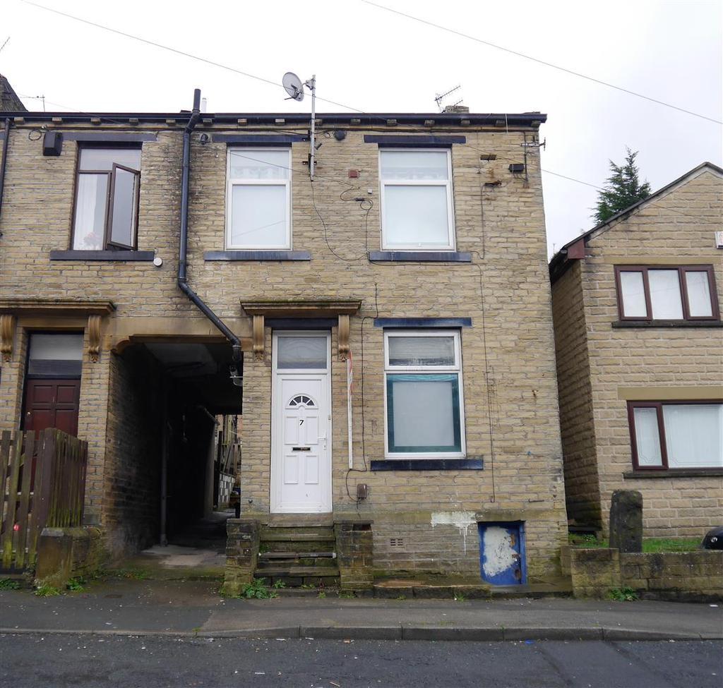 2 Bedrooms Terraced House for sale in Vivian Place, Great Horton, BD5 3PJ
