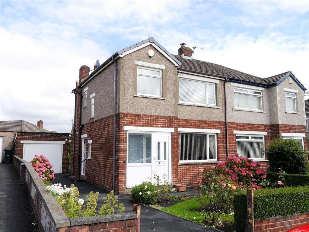 3 Bedrooms Semi Detached House for sale in Wesley Avenue, Low Moor, Bradford, BD12 0NX