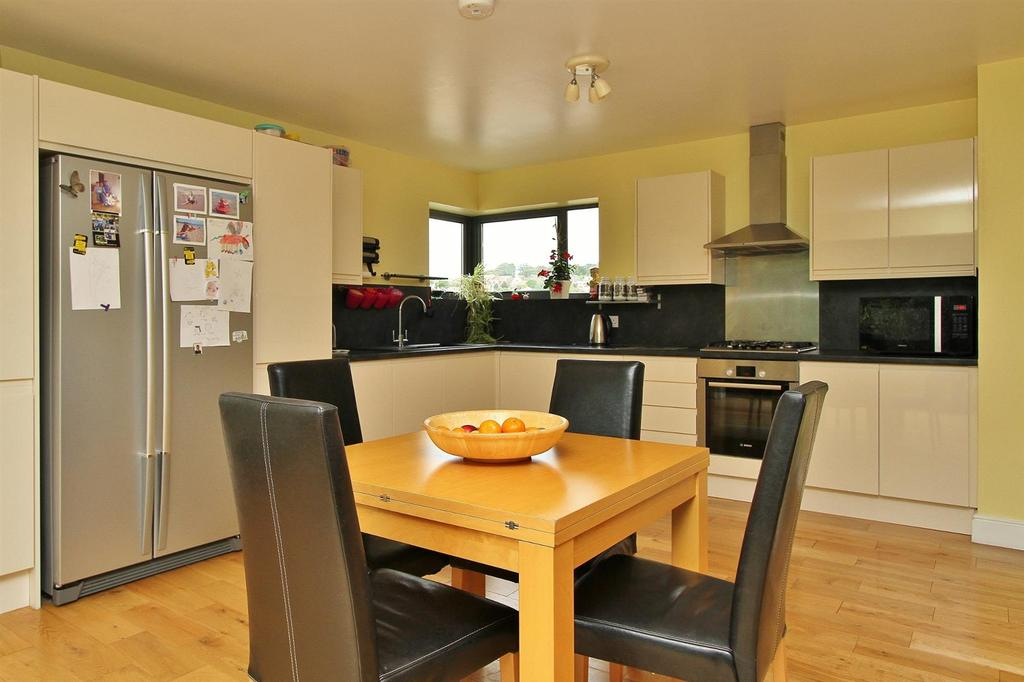 3 Bedrooms House for sale in Downs Valley Road