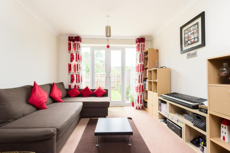 2 Bedrooms Terraced House for sale in Springfield Drive, Abingdon, Oxfordshire