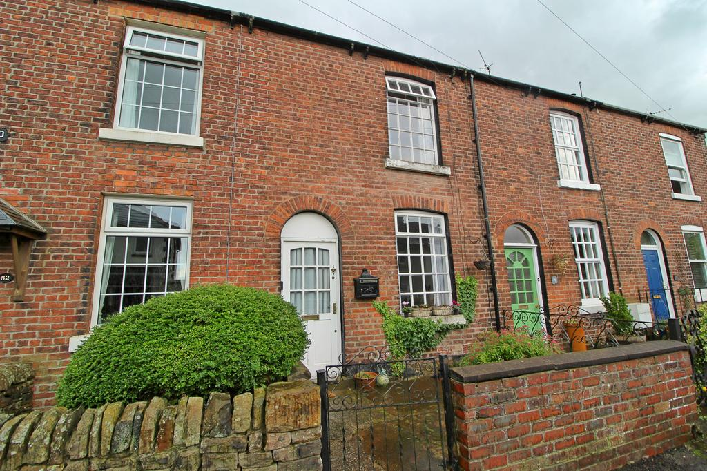 2 Bedrooms Cottage House for sale in DISLEY (HOLLINWOOD ROAD)