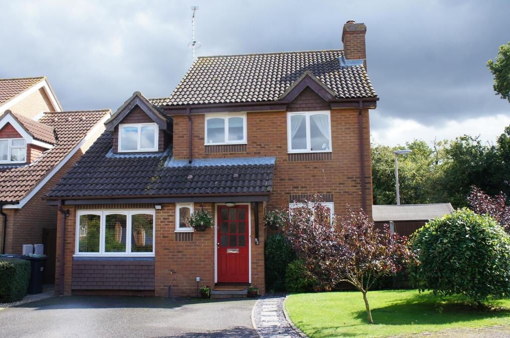 4 Bedrooms Detached House for sale in Partridge Piece, Cranfield, Bedfordshire