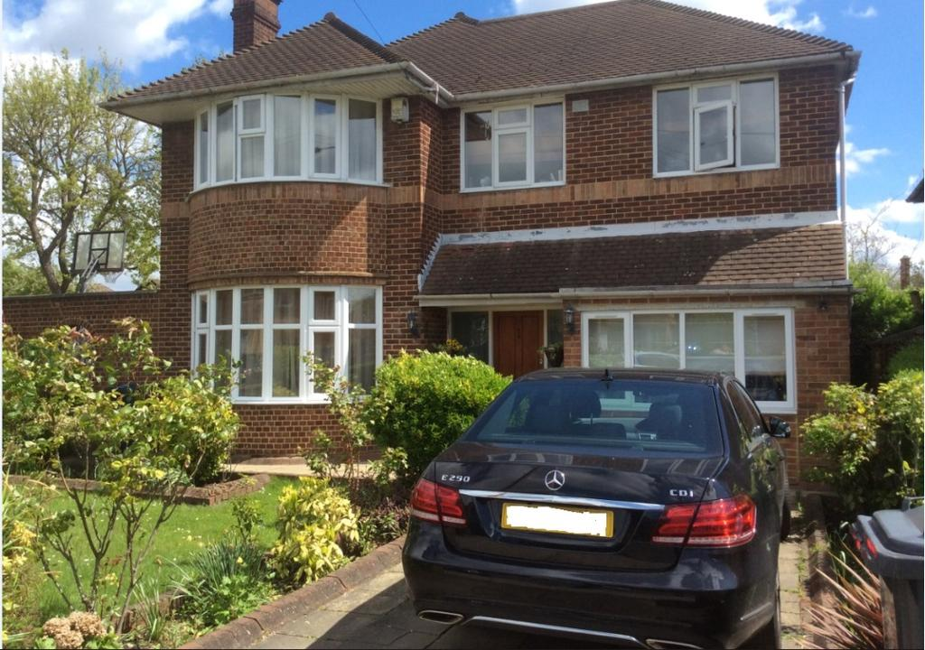 5 Bedrooms Detached House for sale in Southover, london N12