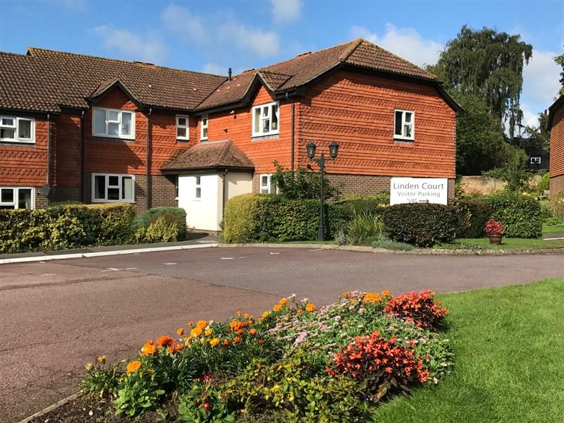 1 Bedroom Retirement Property for sale in Linden Chase, Uckfield