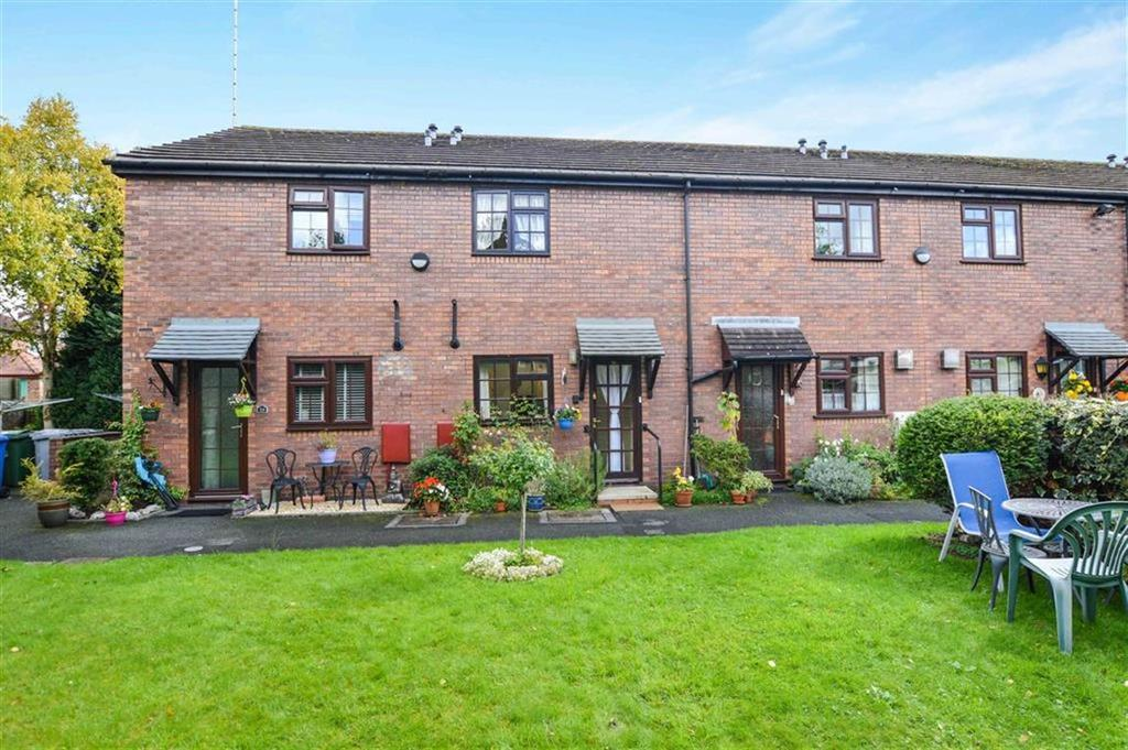 2 Bedrooms Terraced House for sale in Edale Close, Bowdon, Cheshire, WA14