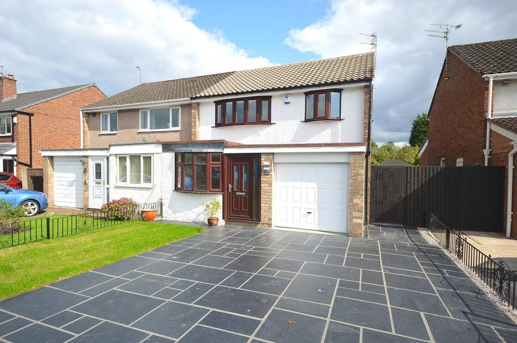 3 Bedrooms Semi Detached House for sale in Ashdale Drive, Heald Green